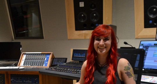Photo of Rachel Leonard