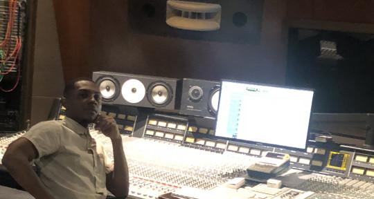 Photo of MarQuell (Astro Studios)