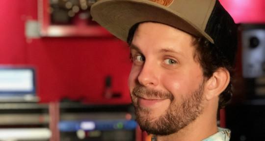 Photo of Shea Thompson