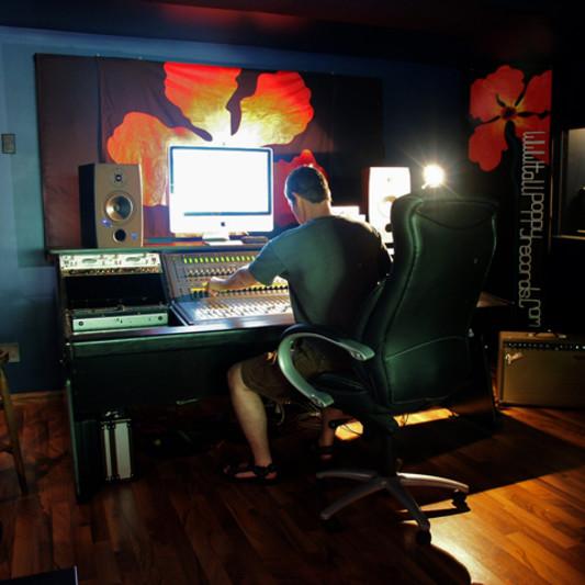 Poppy Den Recording Studio on SoundBetter