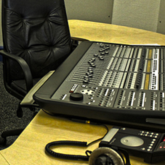 LIZI STUDIO on SoundBetter