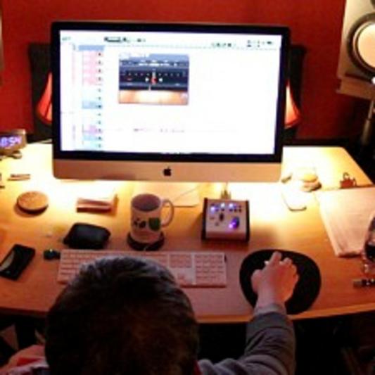 Matthew Amelung (producer/engineer/mixer) on SoundBetter