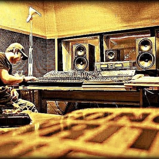 Travis Saunders on SoundBetter