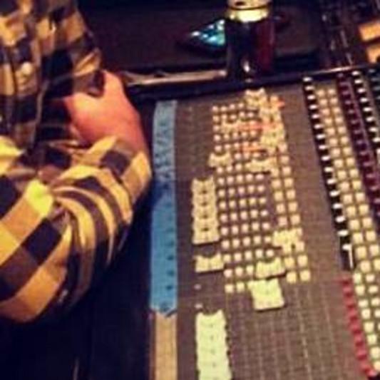Estevan Damian on SoundBetter