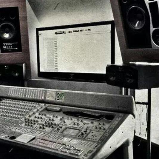 Bounce Recording Studio on SoundBetter