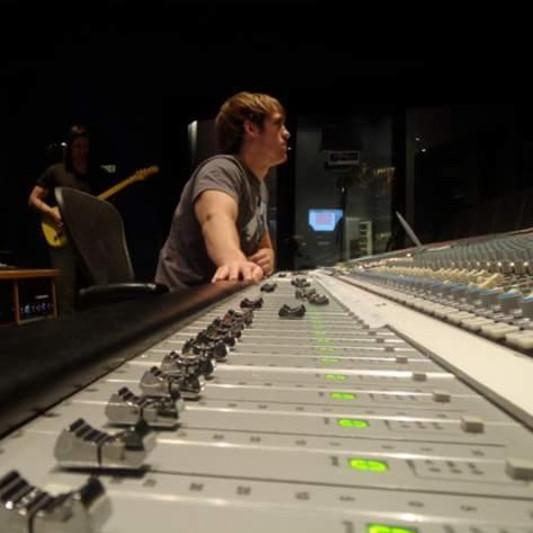Ze Villard Productions on SoundBetter