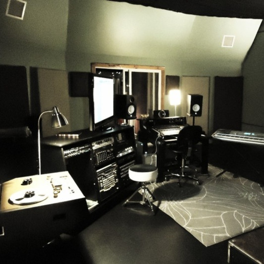 Downbeat Studio on SoundBetter