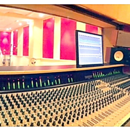 ACOUZIK STUDIO on SoundBetter