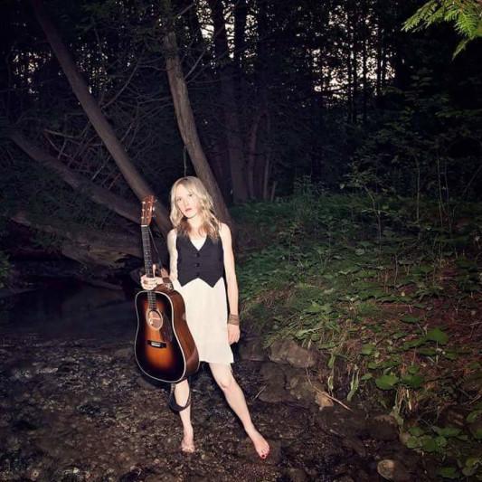 Multi-genre female vocalist on SoundBetter