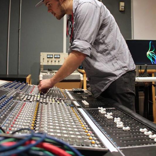 Eli Louis Productions on SoundBetter