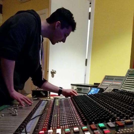Curtis Logan on SoundBetter