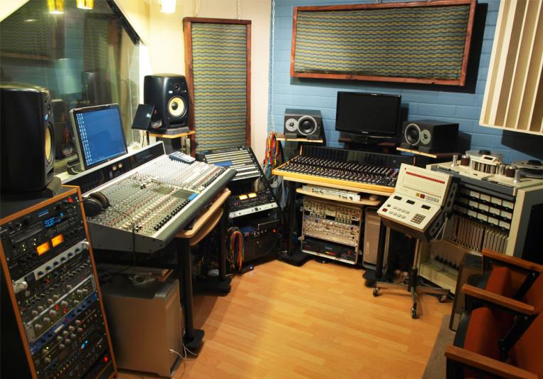 Shine Studios on SoundBetter