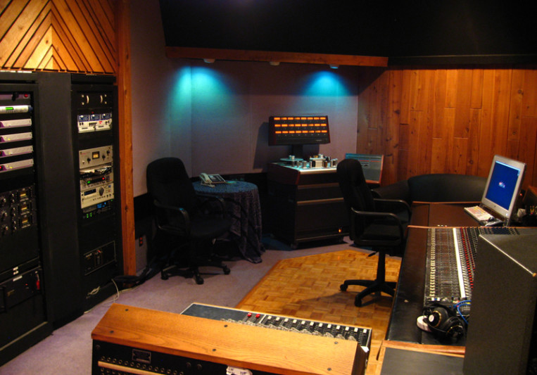 Entourage Studios  on SoundBetter