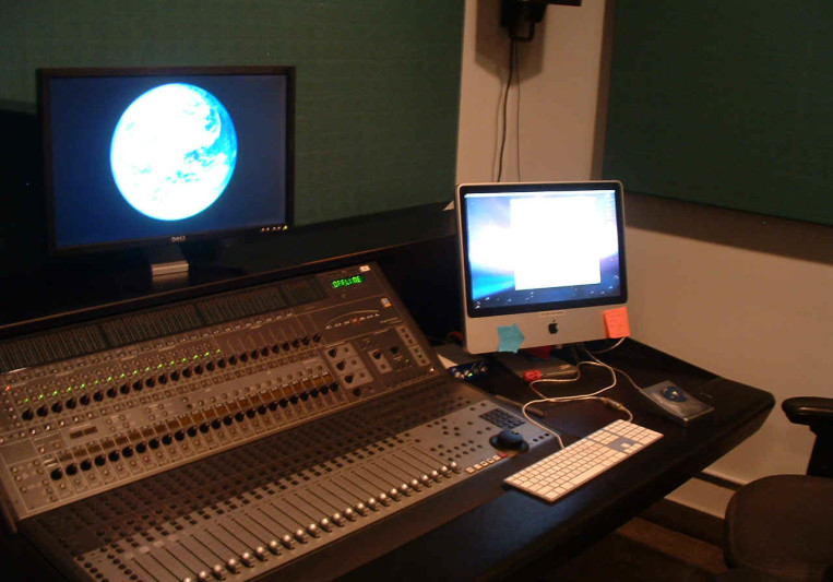 Larson Studios on SoundBetter