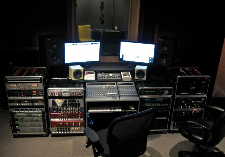 ZOLIS AUDIO PRODUCTIONS, INC on SoundBetter