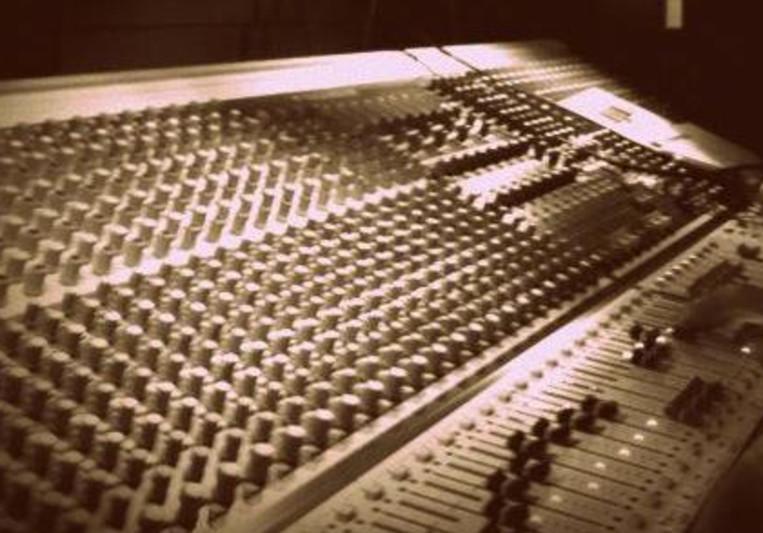 Dom Elias - Live Sound Engineer on SoundBetter