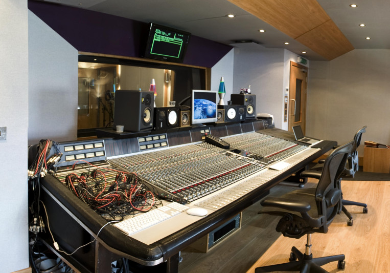 Long Island Studios on SoundBetter