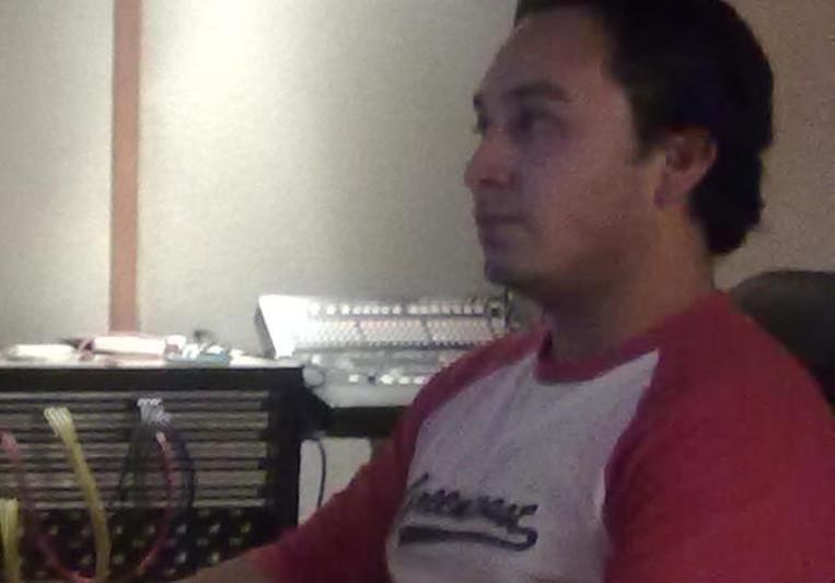 Roberto saldivar on SoundBetter