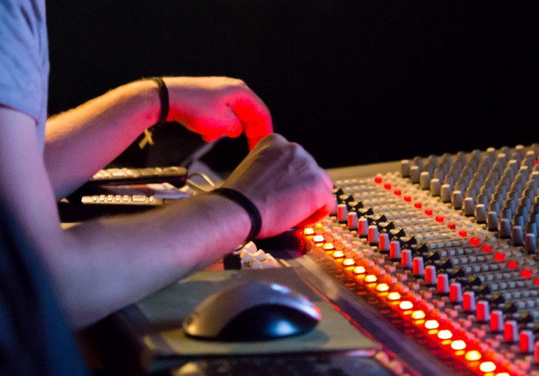 101 Sound Studios on SoundBetter