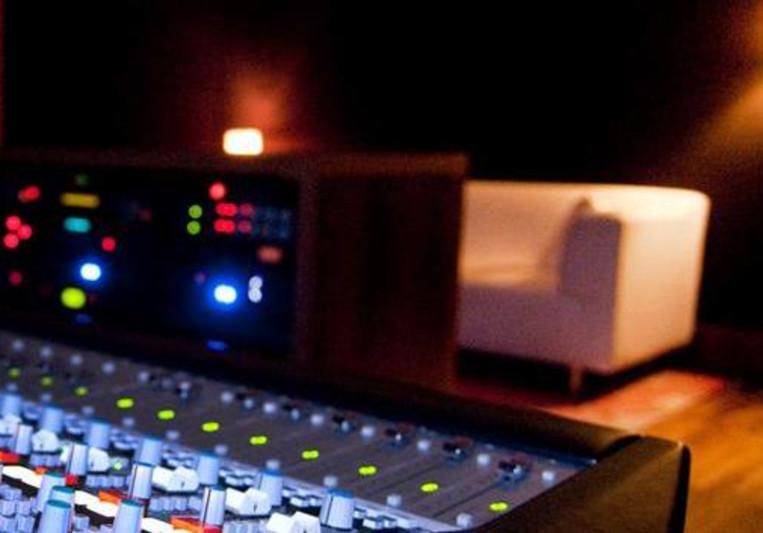 Revolver Recording Studios on SoundBetter