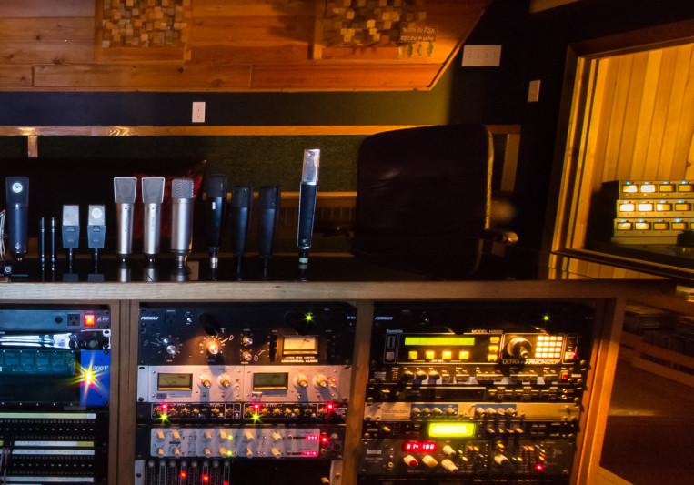 Bedside Studio on SoundBetter