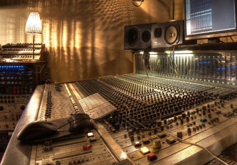 Studios Mercredi9 on SoundBetter