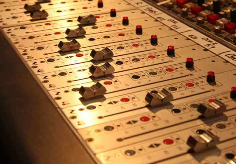 World Class and Industry Standard Recording, Mixing & Mastering Services. on SoundBetter