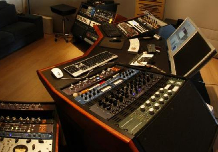 Elephant Mastering | Audio Engineer Eugenio F. on SoundBetter