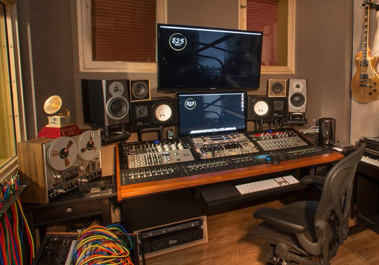 825 Records, Inc. on SoundBetter