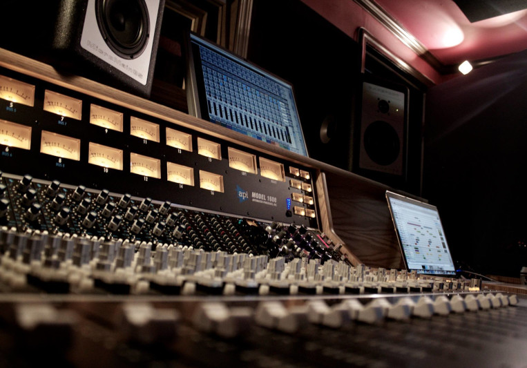 Mikael Johnston on SoundBetter
