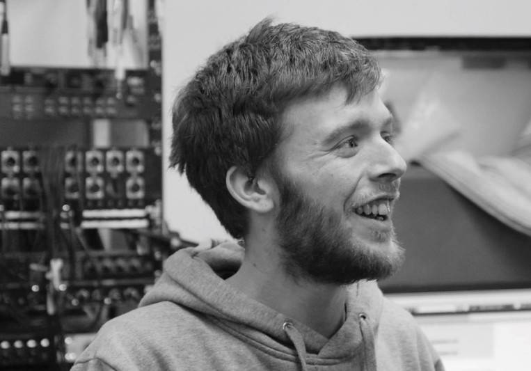 Simon Owen - Xenophorm Studios on SoundBetter