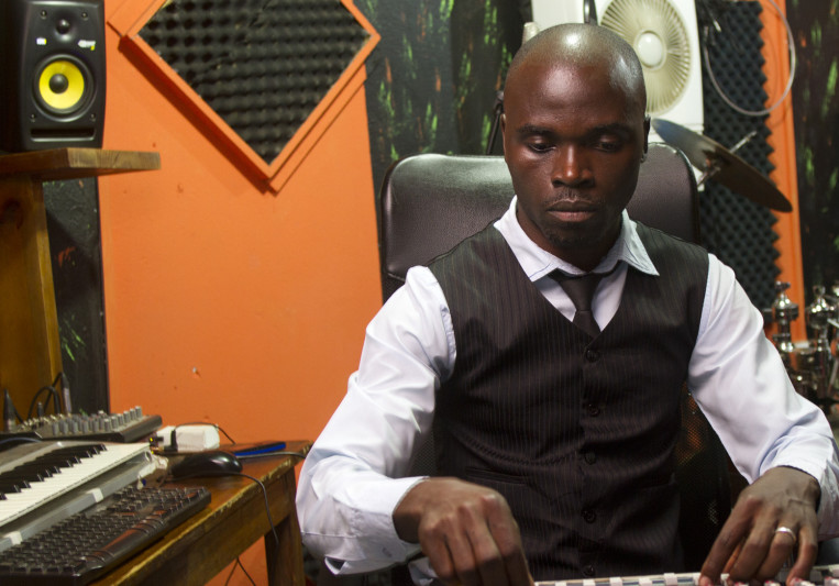 Emiziki Studios on SoundBetter