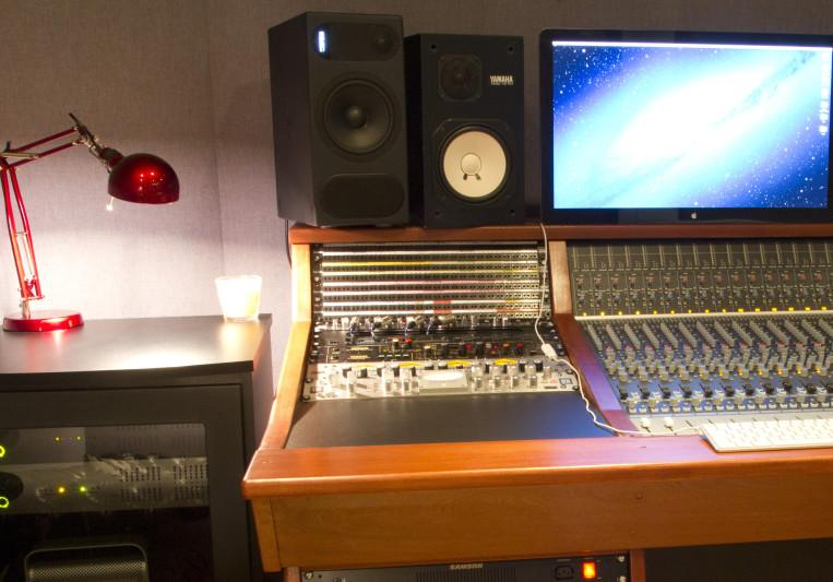 Ravenscourt Studios on SoundBetter