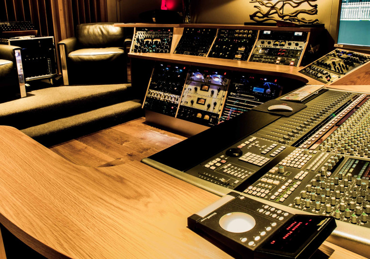 A Sharp Recording Studio on SoundBetter