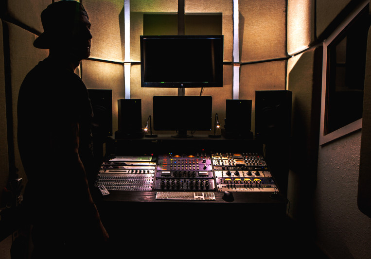 Azurelah Studios on SoundBetter