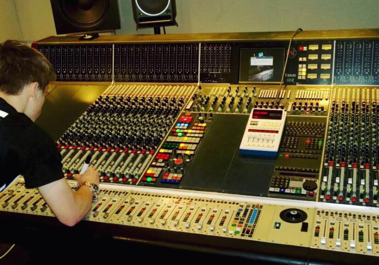 Brett DeFazio on SoundBetter