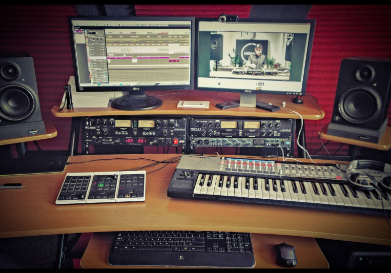 Misc. Factory Studio on SoundBetter
