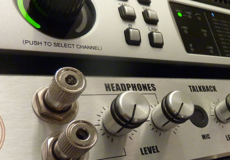 MixCorner on SoundBetter