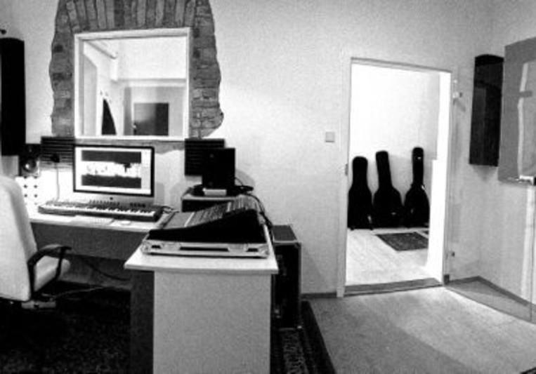 Legato Studio on SoundBetter