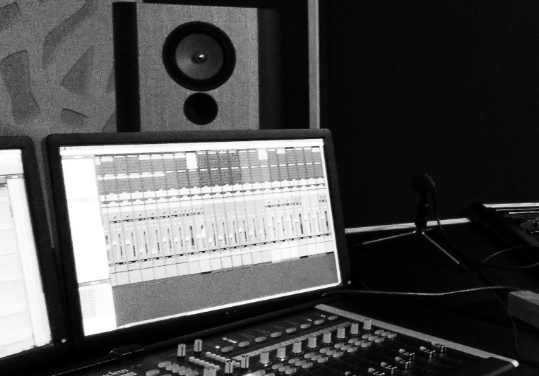 Redial Studio on SoundBetter