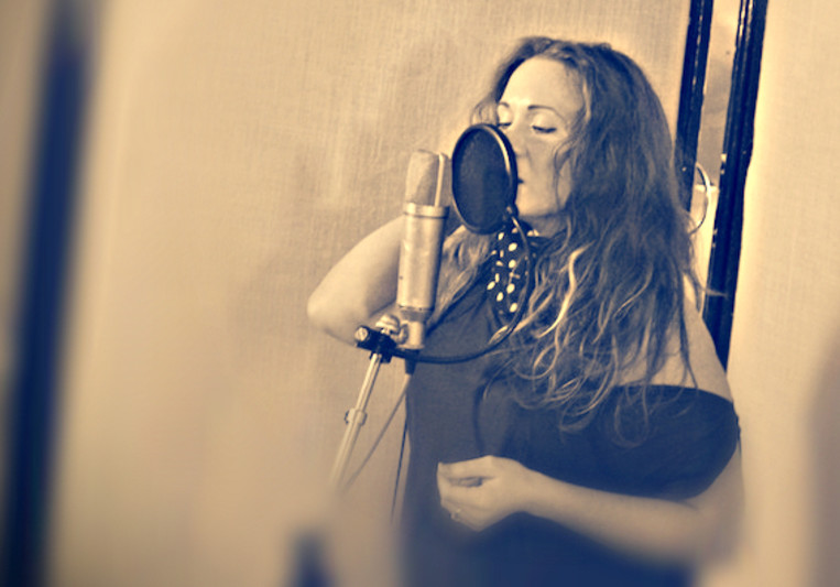 Caroline Sings on SoundBetter