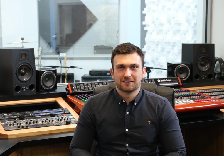 Ryan Mackay on SoundBetter