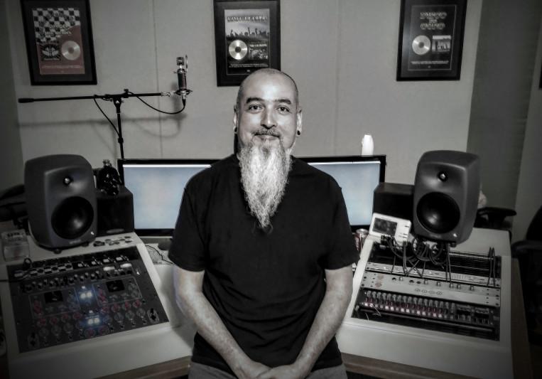 Lamps (Lampadinha) on SoundBetter