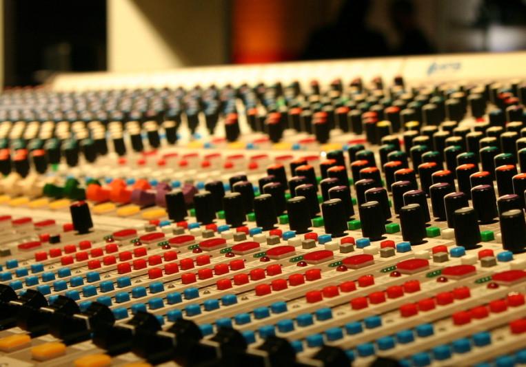 MixButton on SoundBetter