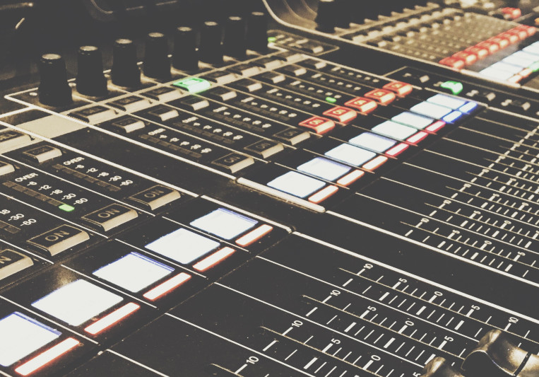 Noah Schmidt on SoundBetter