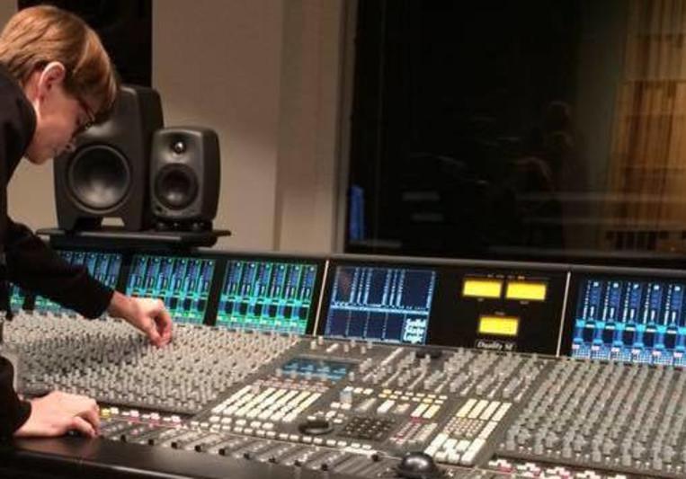 Karina's Fingers on SoundBetter