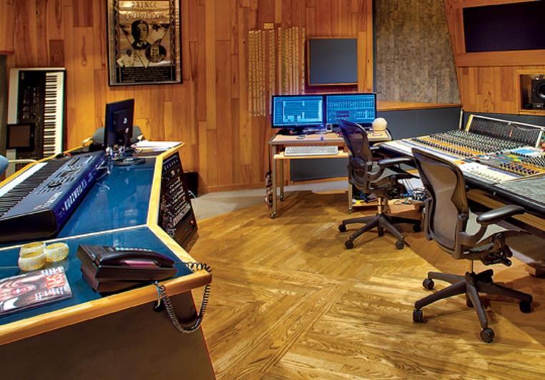 jimmy b johnson with p ten studios on SoundBetter