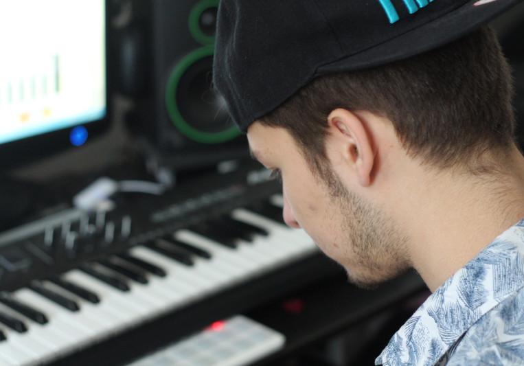 Nils Summer on SoundBetter