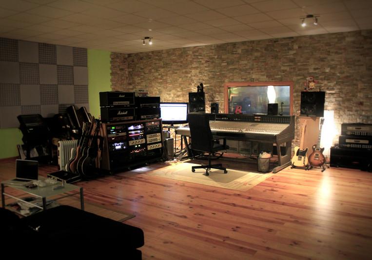 Dynamita Studios on SoundBetter