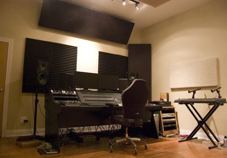Fullerton Recording Studios on SoundBetter